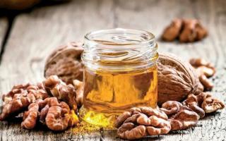 Польза грецких орехов с медом: рецепты, польза и вред, применение в косметологии