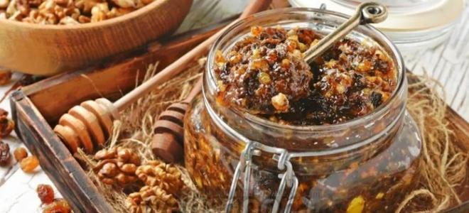 Витаминная смесь с медом и сухофруктами: паста Амосова для иммунитета